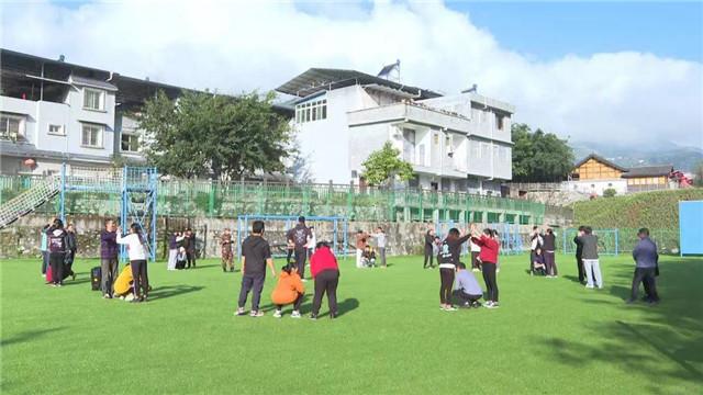 石棉企业团队拓展训练