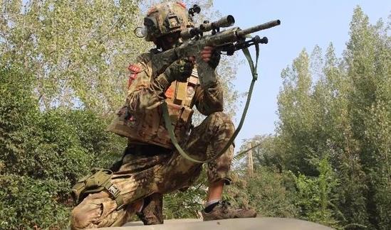 再续战火M4A1冲锋狙击枪